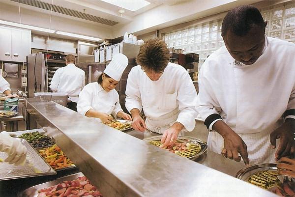 chefs en una cocina - consueloc
