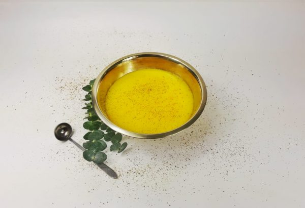 salsero con salsa amarilla